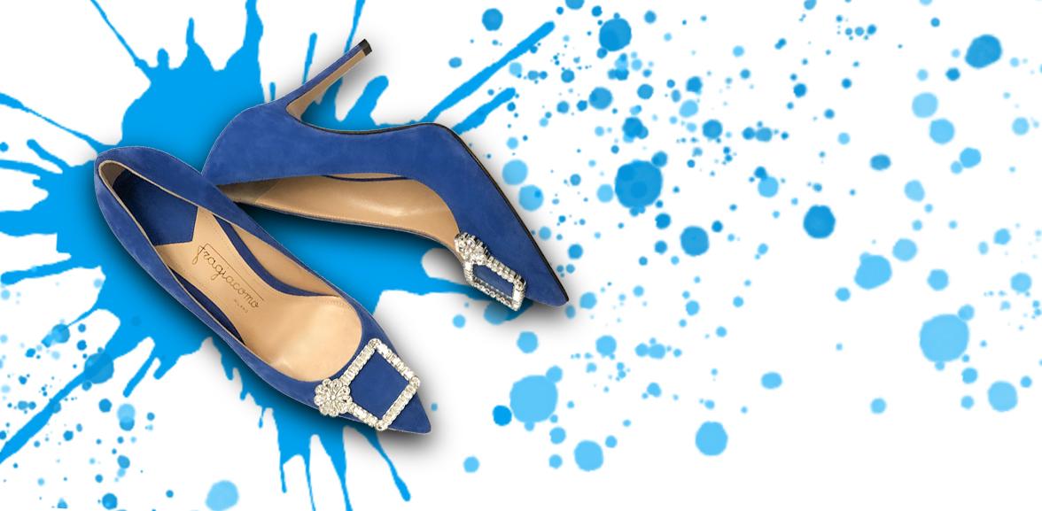 Décolleté con tacco alto Crystal Candy blu elettrico su sfondo colorato