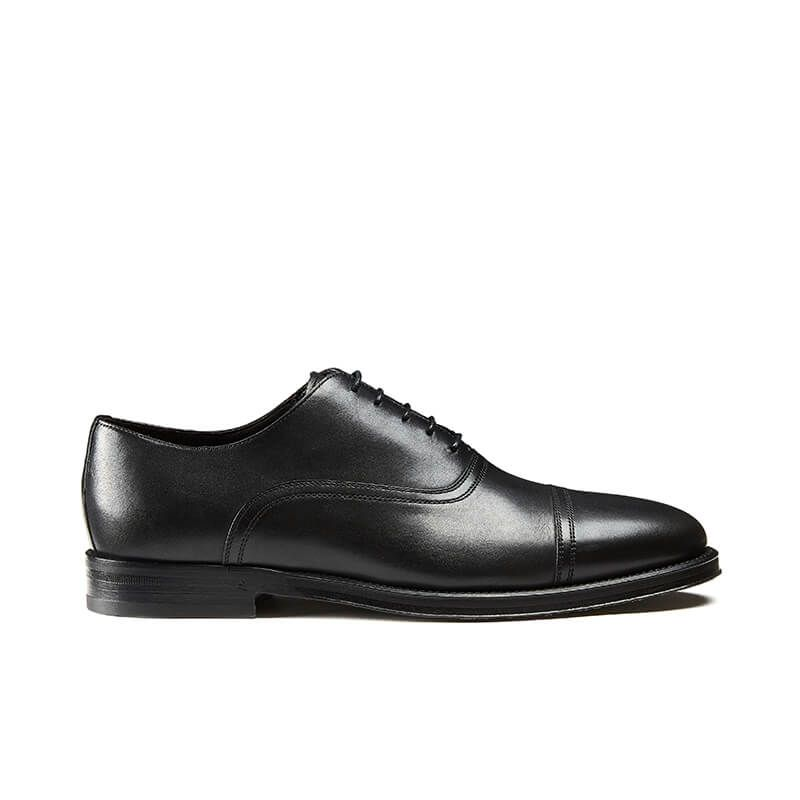 Black calfskin Oxford shoes with laces, hand made in Italy, elegant men's by Fragiacomo