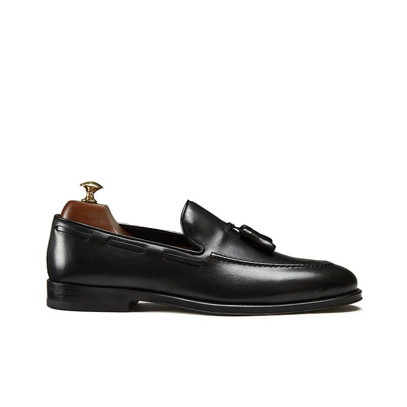 Black calfskin tassel loafers, hand made in Italy, elegant men's by Fragiacomo