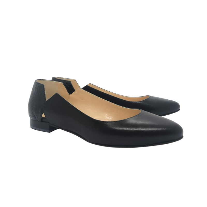 Black leather ballerinas hand made in Italy, women's model by Fragiacomo
