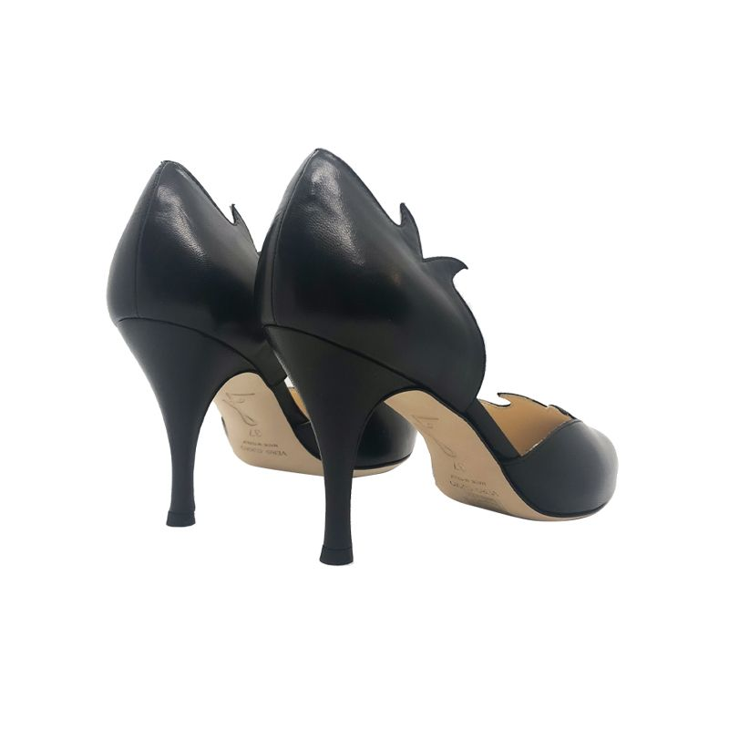 Black leather high heel pumps hand made in Italy, women's model by Fragiacomo