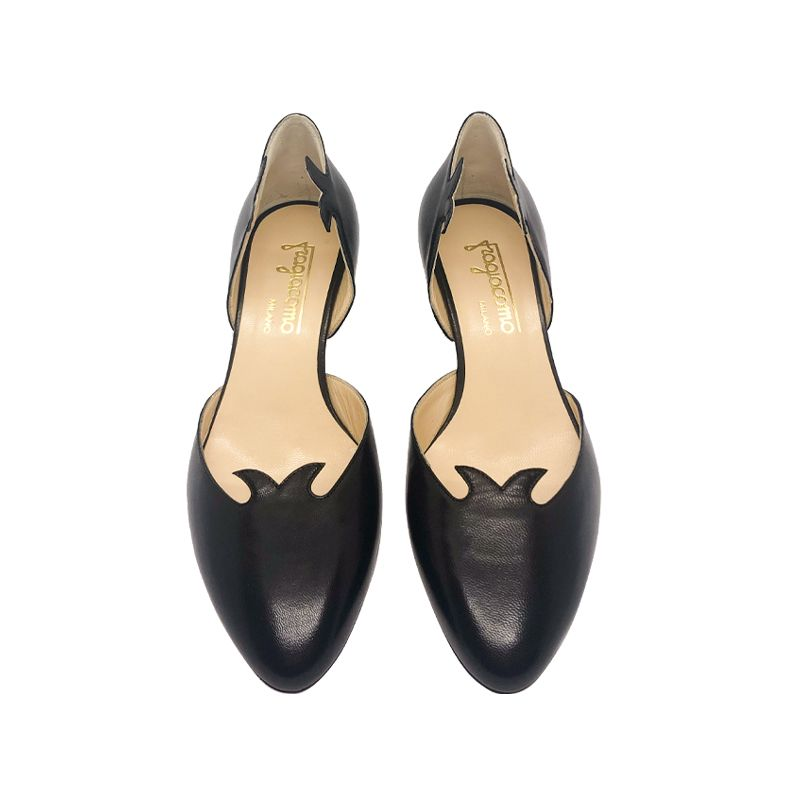 Black leather low heel pumps hand made in Italy, women's model by Fragiacomo