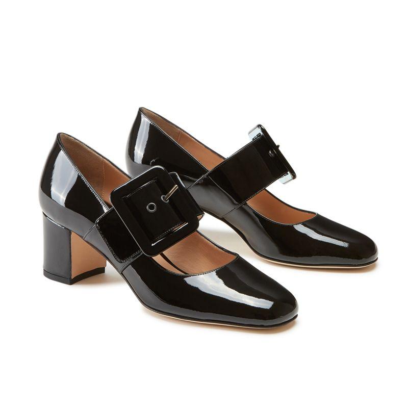 Scarpe modello Mary Jane in vernice nera fatte a mano in Italia con cinturino, modello da donna by Fragiacomo, vista laterale