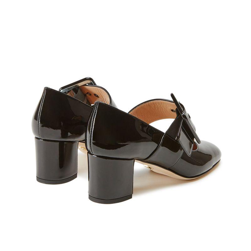 Scarpe modello Mary Jane in vernice nera fatte a mano in Italia con cinturino, modello da donna by Fragiacomo, vista da dietro