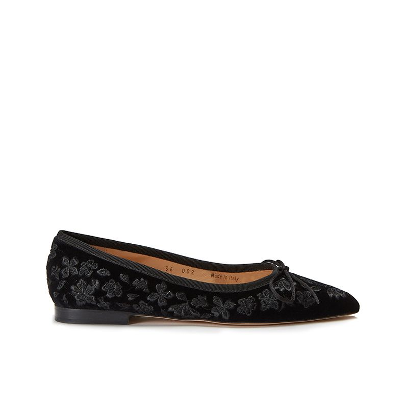 Black velvet ballerinas with floral embroidery ton sur ton all over, women's model, by Fragiacomo