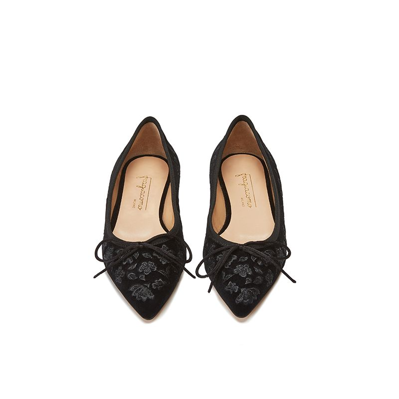 Black velvet ballerinas with floral embroidery ton sur ton all over, women's model, by Fragiacomo, bottom view