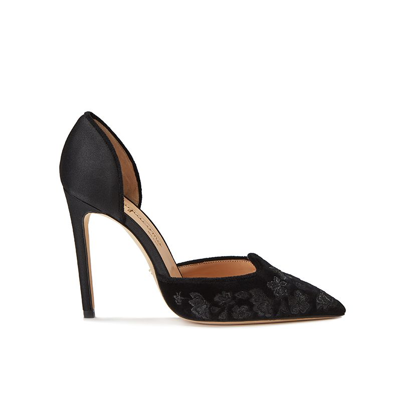 Black velvet pumps with embroidery ton sur ton on the point and satin on the back part, elegant women's, by Fragiacomo