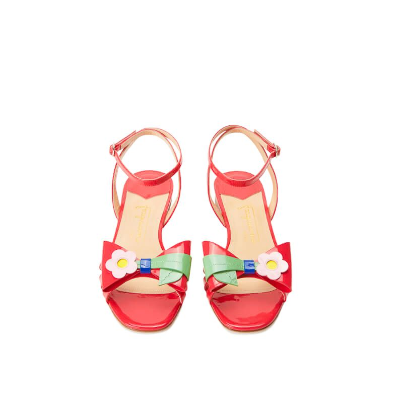 Coral red patent leather flat sandals with ankle strap and multicolor bow, SS19 collection by Fragiacomo, over view