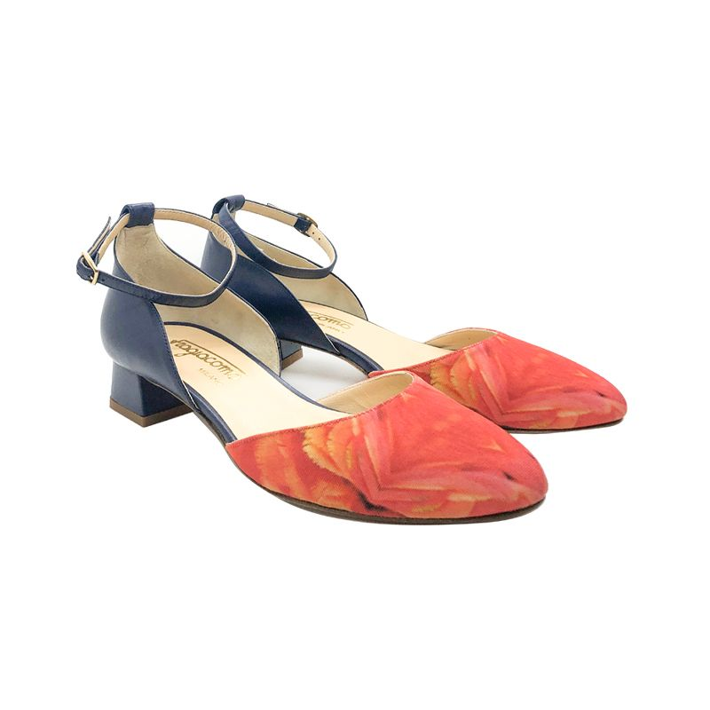 Dark blue leather low heel pumps with feathers print hand made in Italy, women's model by Fragiacomo