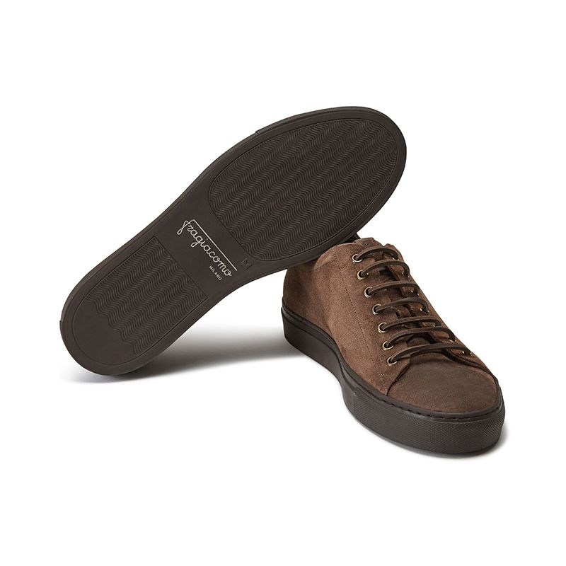Dark brown suede low-top sneakers hand made in Italy, mens' model by Fragiacomo, bottom view