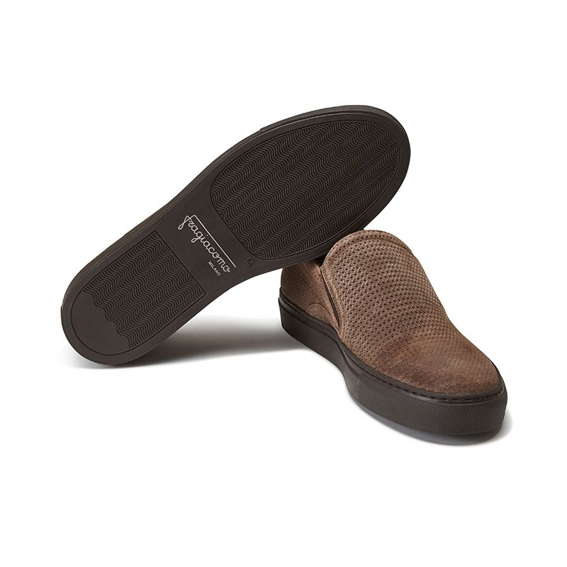 Dark brown suede slip-ons hand made in Italy, mens' model by Fragiacomo, bottom view