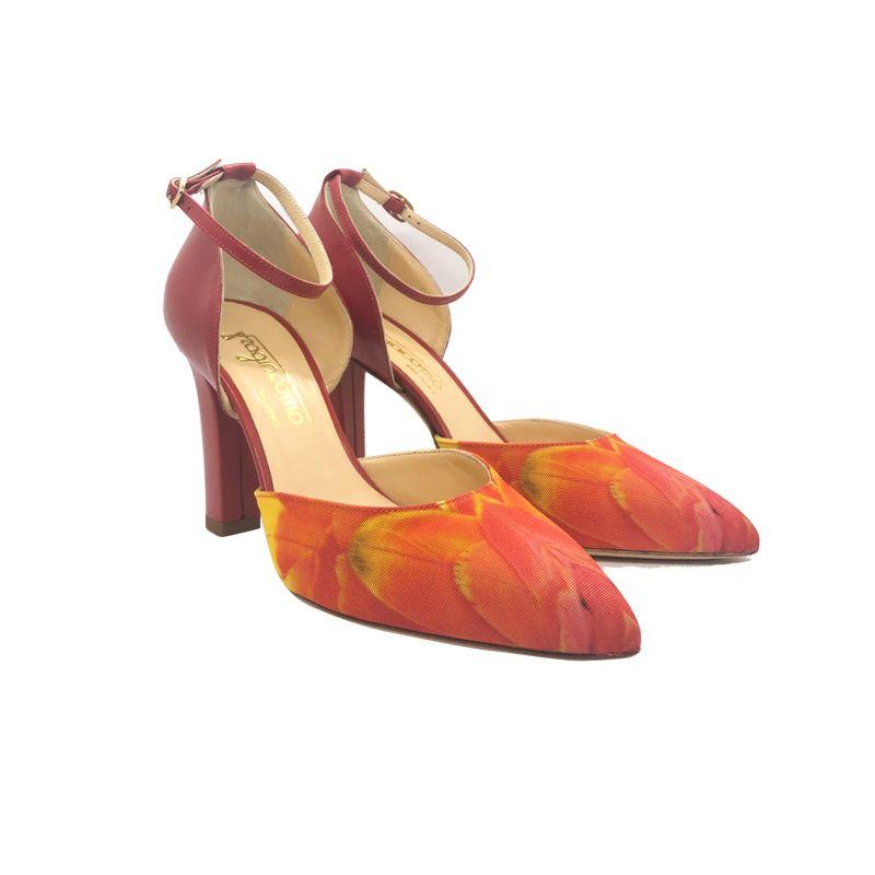 Décolleté in pelle rossa con stampa piume multicolor e tacco alto fatte a mano in Italia, modello da donna by Fragiacomo
