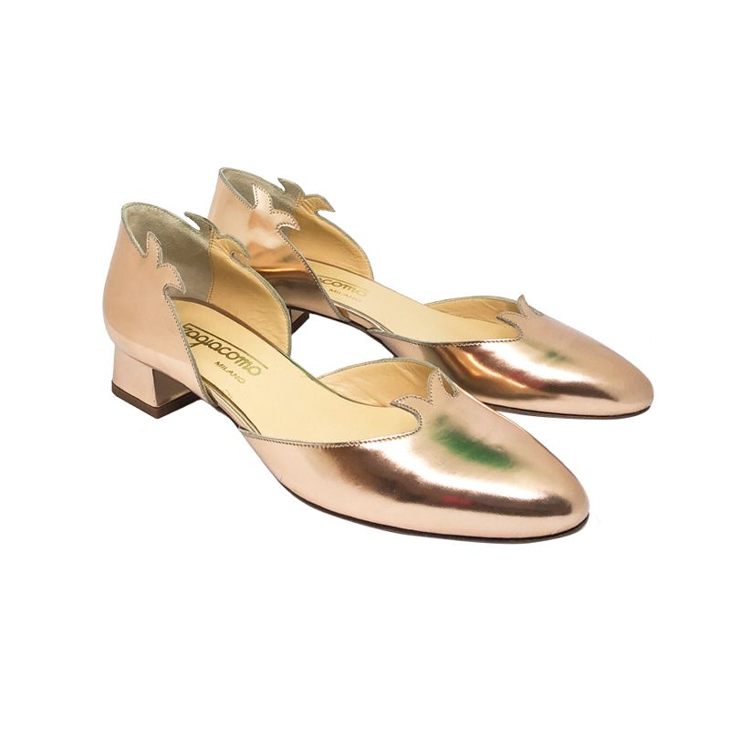 Gold leather low heel pumps hand made in Italy, women's model by Fragiacomo