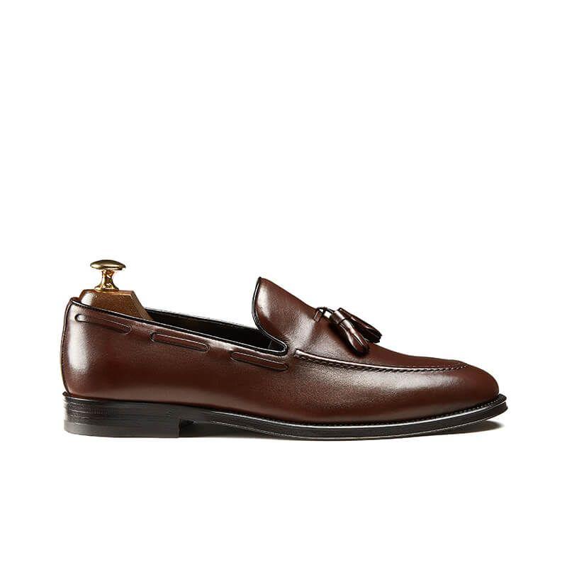 Light brown calfskin tassel loafers, hand made in Italy, elegant men's by Fragiacomo