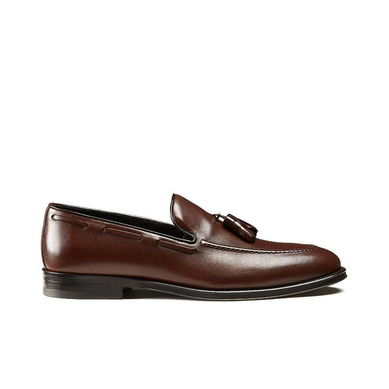 Light brown calfskin tassel loafers, hand made in Italy, elegant men's by Fragiacomo