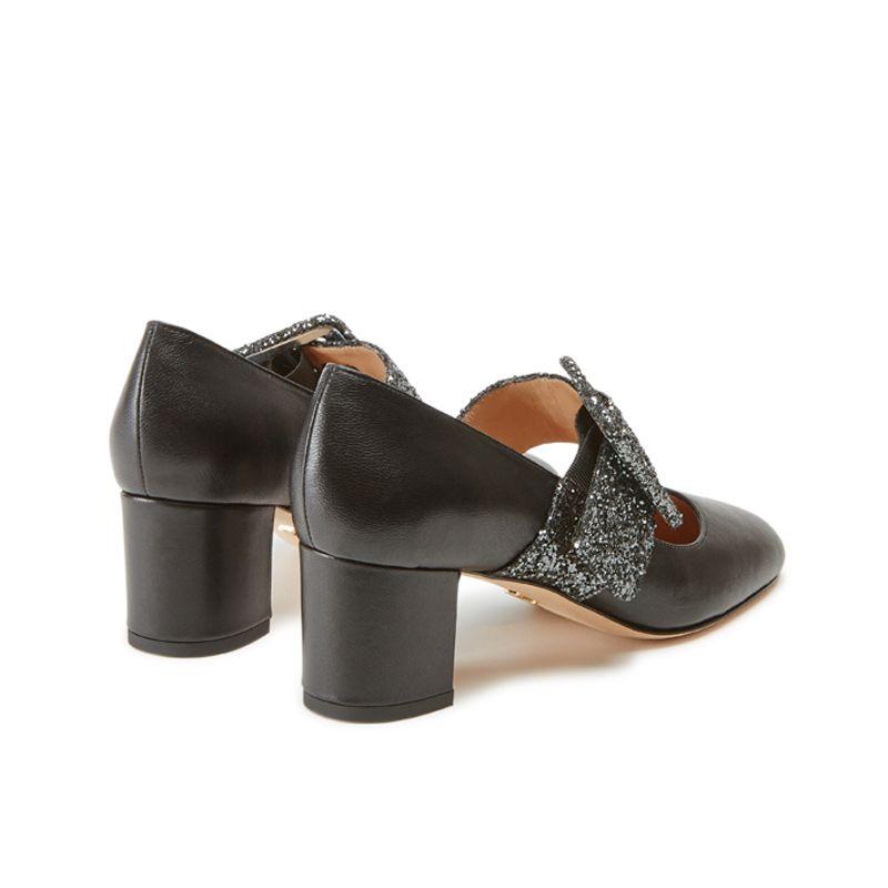 Scarpe modello Mary Jane in nappa nera fatte a mano in Italia con cinturino glitterato, modello da donna by Fragiacomo, vista da dietro