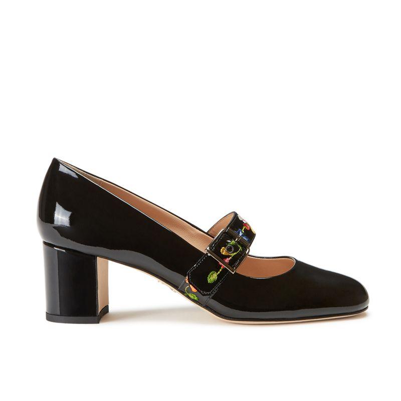 Scarpe modello Mary Jane in vernice nera fatte a mano in Italia con cinturino floreale ricamato, modello da donna by Fragiacomo