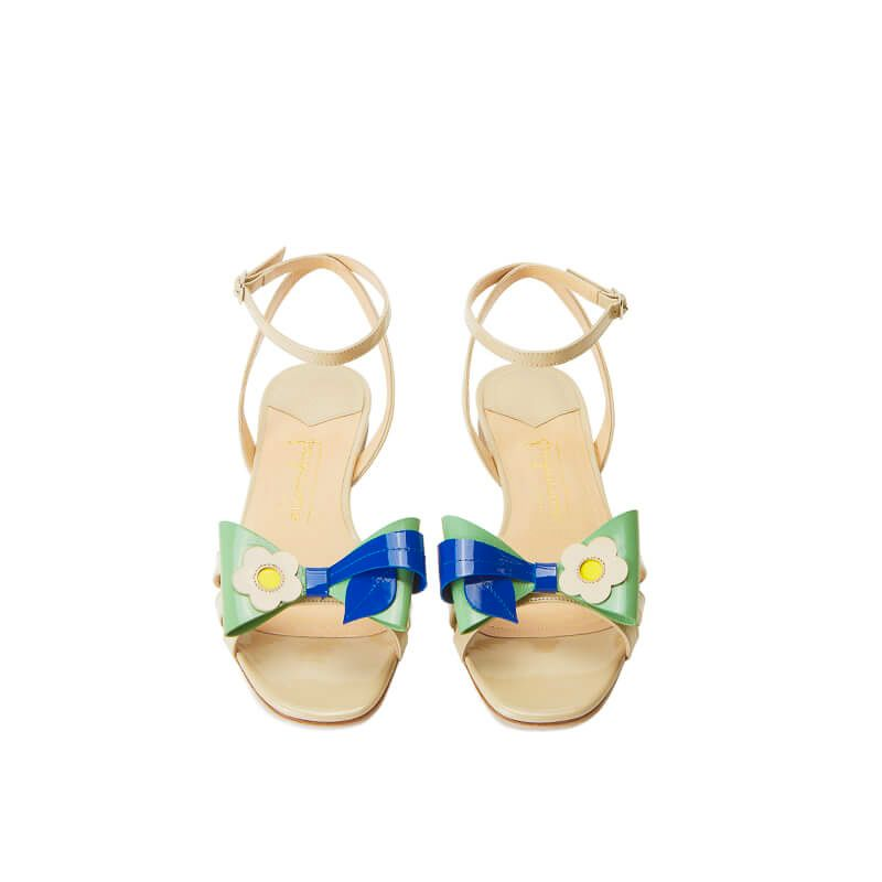Nude patent leather flat sandals with ankle strap and multicolor bow, SS19 collection by Fragiacomo, over view