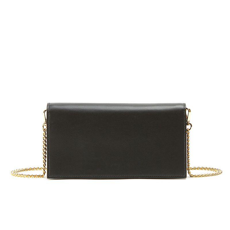 Pochette in nappa nera con catena e accessori oro da donna