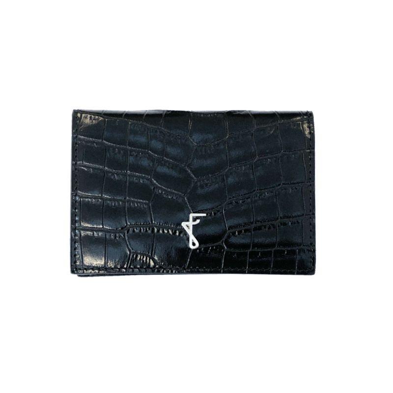 Porta biglietti da visita nero con finiture argento, realizzato a mano in Italia in pelle stampata coccodrillo, elegante da uomo by Fragiacomo