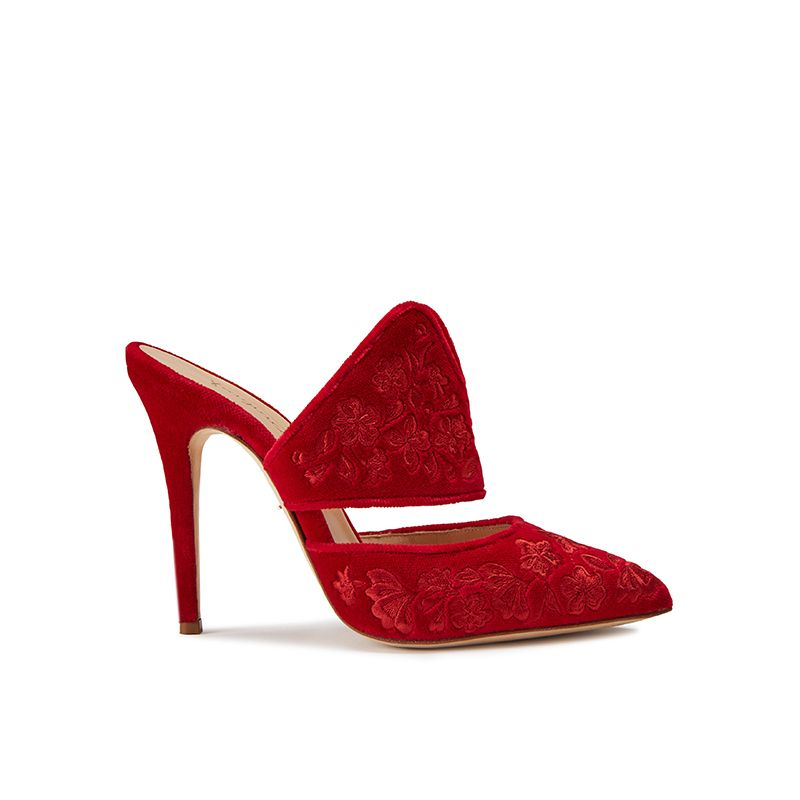 Red velvet mules with floral embroidery ton sut ton, elegant women's, by Fragiacomo