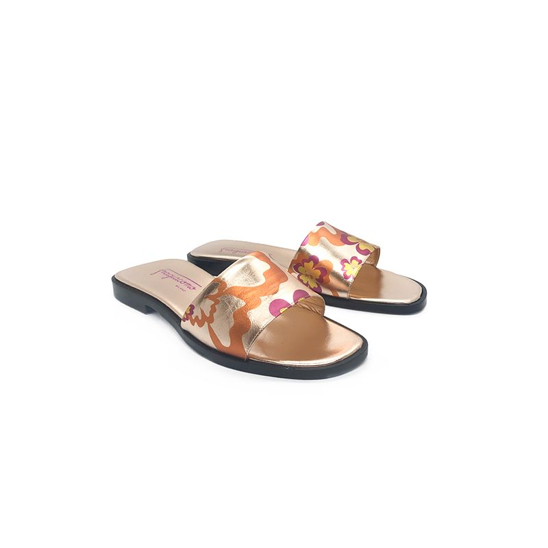 Rose gold laminated leather flat sandals with multicolor floral pattern hand made in Italy, women's model by Fragiacomo