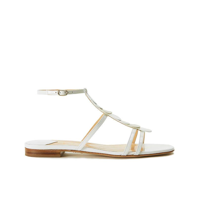 Sandali bianchi in vernice con cinturino e dischi in pelle di camoscio, collezione SS19 by Fragiacomo