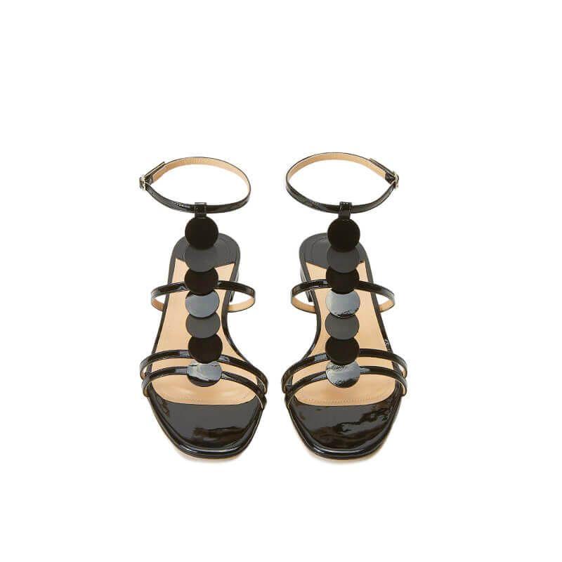 Sandali neri in vernice con cinturino e dischi in pelle di camoscio, collezione SS19 by Fragiacomo, vista dall'alto