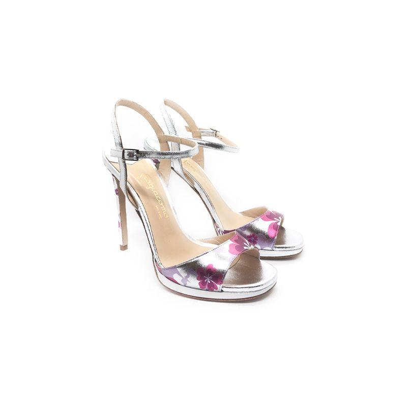 Sandali con tacco alto in pelle laminata argento fatti a mano in Italia con stampa floreale multicolor, modello da donna by Fragiacomo