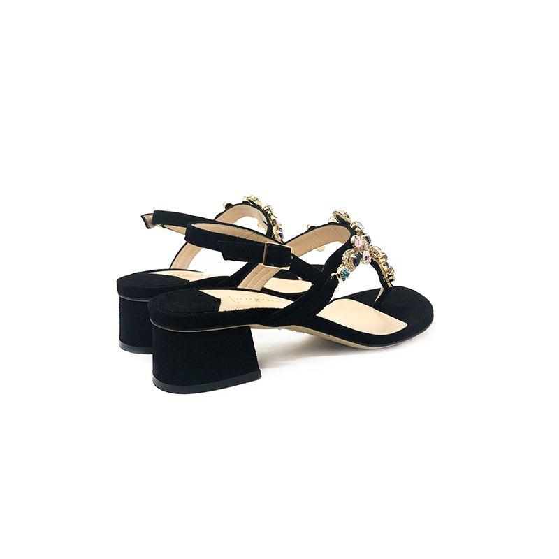Sandali infradito in camoscio nero fatti a mano in Italia con cristalli multicolor, modello da donna by Fragiacomo