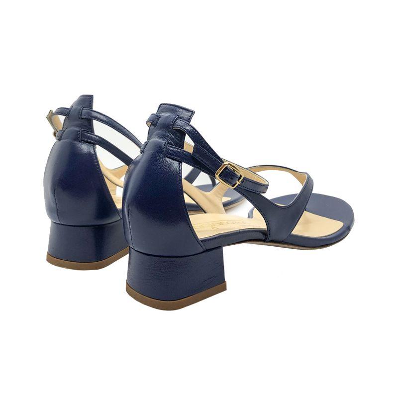 Sandali infradito in pelle bluette fatti a mano in Italia con tacco basso, modello da donna by Fragiacomo