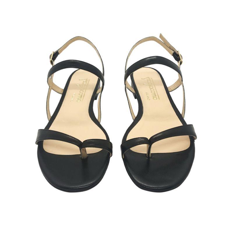 Sandali infradito in pelle nera fatti a mano in Italia con tacco basso, modello da donna by Fragiacomo
