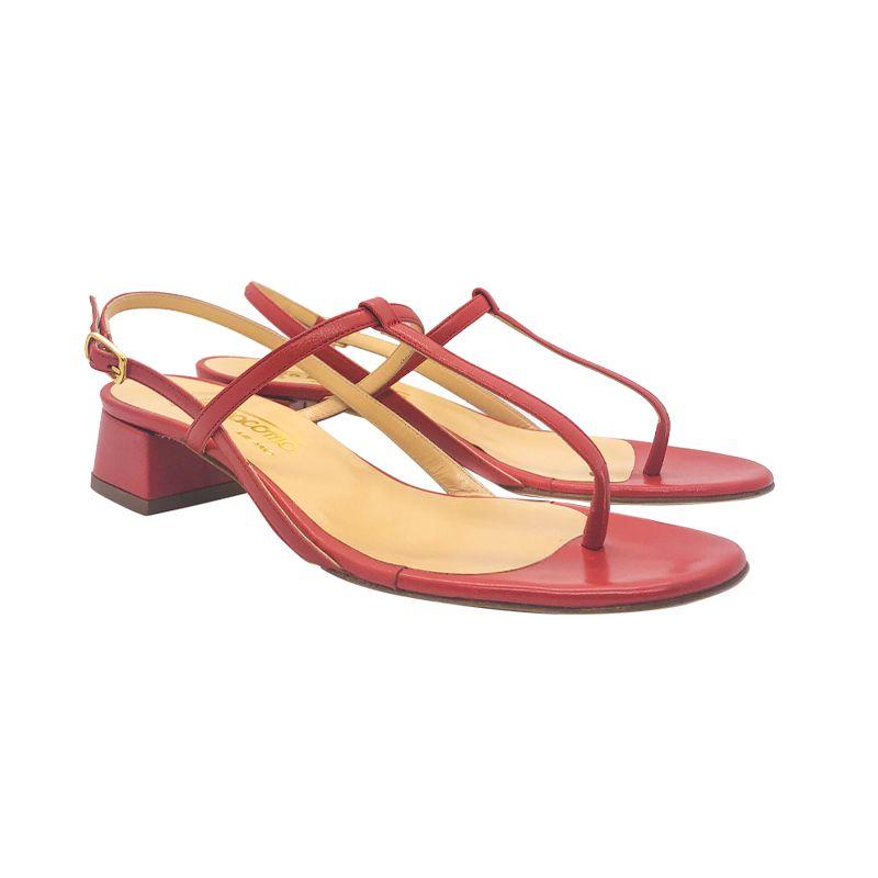Sandali infradito in pelle rossa fatti a mano in Italia con tacco basso, modello da donna by Fragiacomo