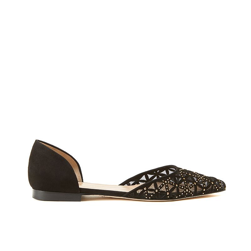 Ballerine nere a punta in camoscio con l'iconico pattern laserato e piccole borchie dorate, modello