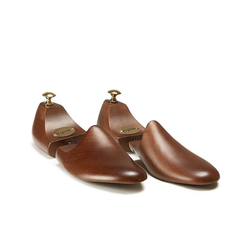 Wooden shoe trees made in Italy to maintain the shape of luxury shoes by Fragiacomo