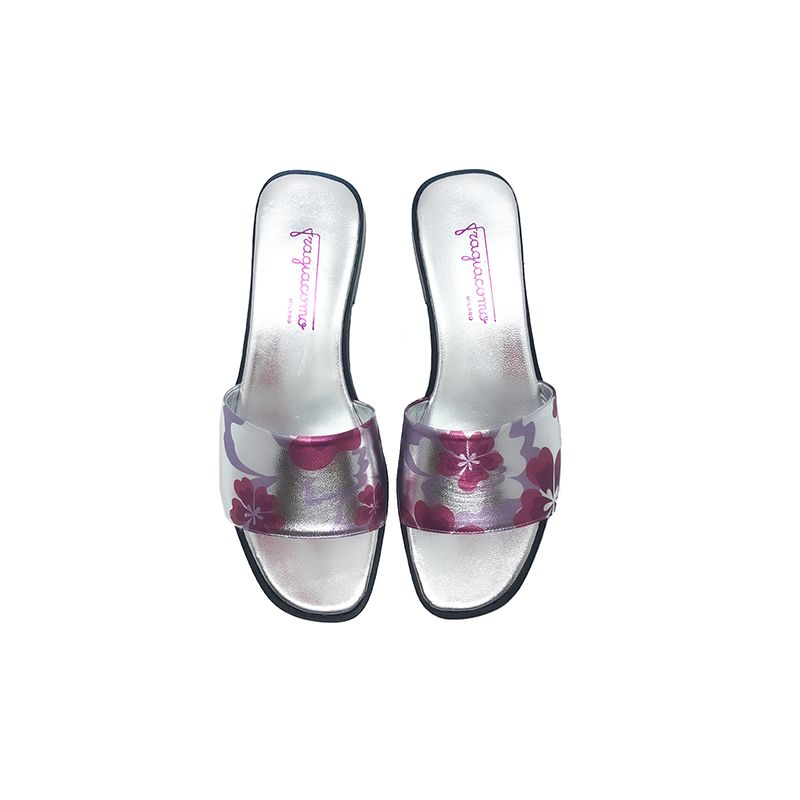 Silver laminated leather flat sandals with fuchsia floral pattern hand made in Italy, women's model by Fragiacomo