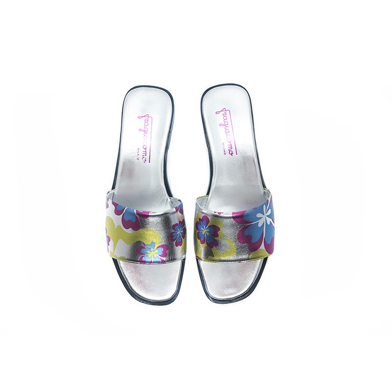 Silver laminated leather flat sandals with multicolor floral pattern hand made in Italy, women's model by Fragiacomo