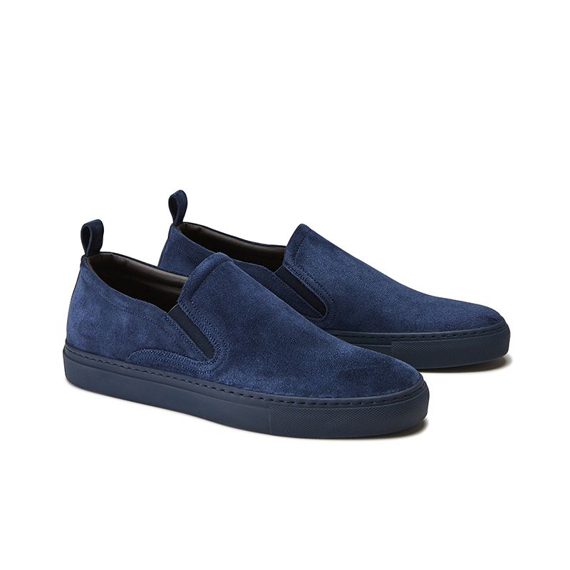 Slip on in crosta di camoscio blu fatte a mano in Italia, modello da uomo by Fragiacomo, vista laterale