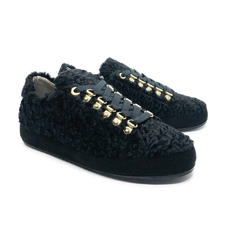 Sneakers in astrakan nero fatte a mano in Italia, modello da donna by Fragiacomo