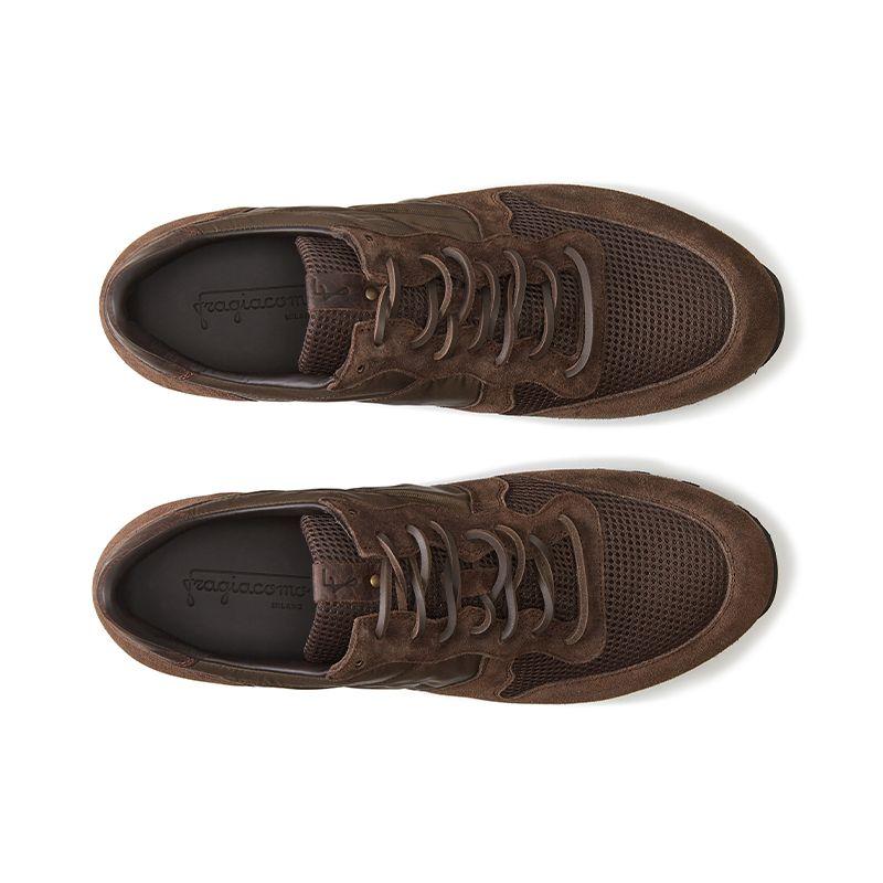 Sneakers in pelle di camoscio testa di moro fatte a mano in Italia, modello da uomo by Fragiacomo, vista dall'alto