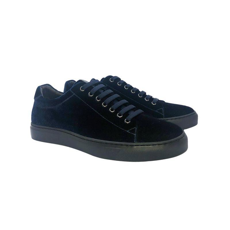 Sneakers in velluto blu scuro fatte a mano in Italia, modello da uomo by Fragiacomo