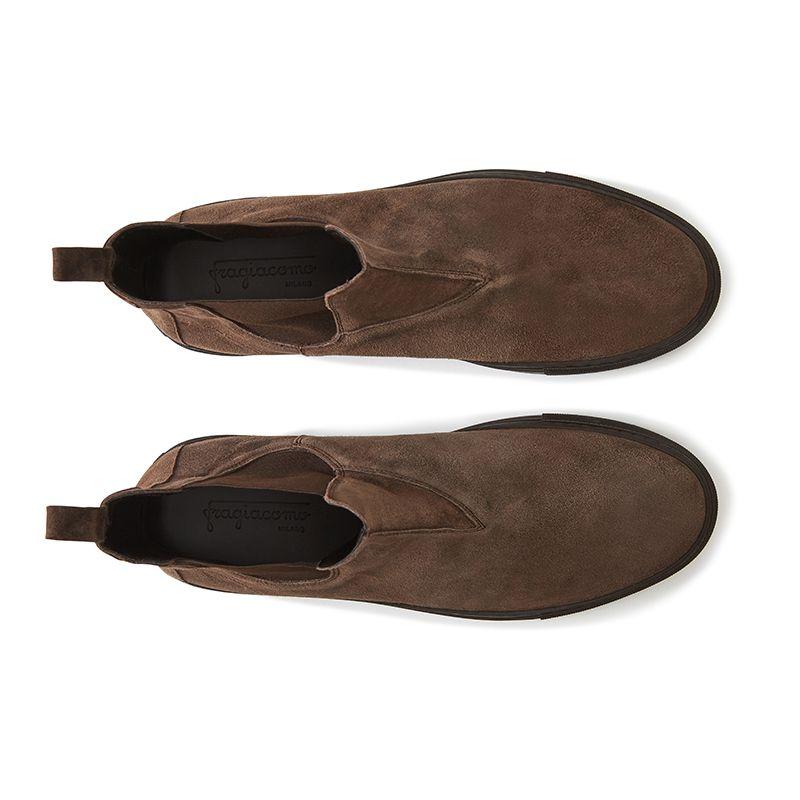 Stivaletti chelsea in pelle di camoscio testa di moro fatte a mano in Italia, modello da uomo by Fragiacomo, vista dall'alto