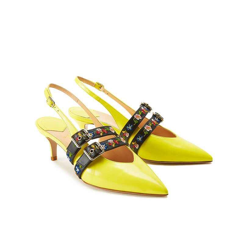 Yellow patent leather slingbacks with embroidered straps and kitten heel, SS19 collection by Fragiacomo, side view