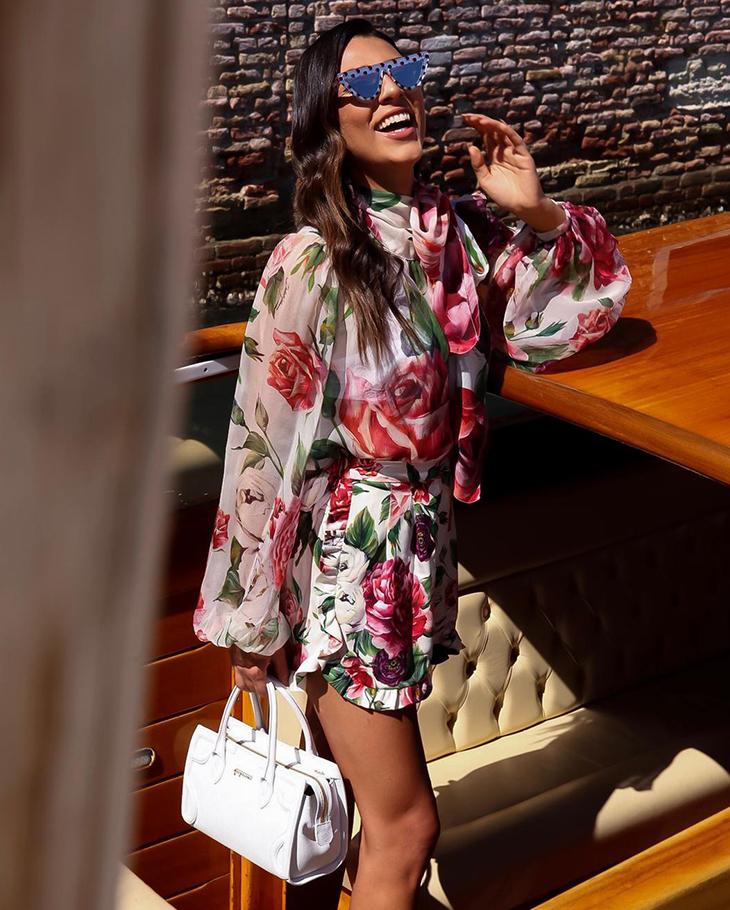 Showgirl Giulia Salemi wearing white nappa leather mini icon bag by Fragiacomo at Venice Film Festival 2019