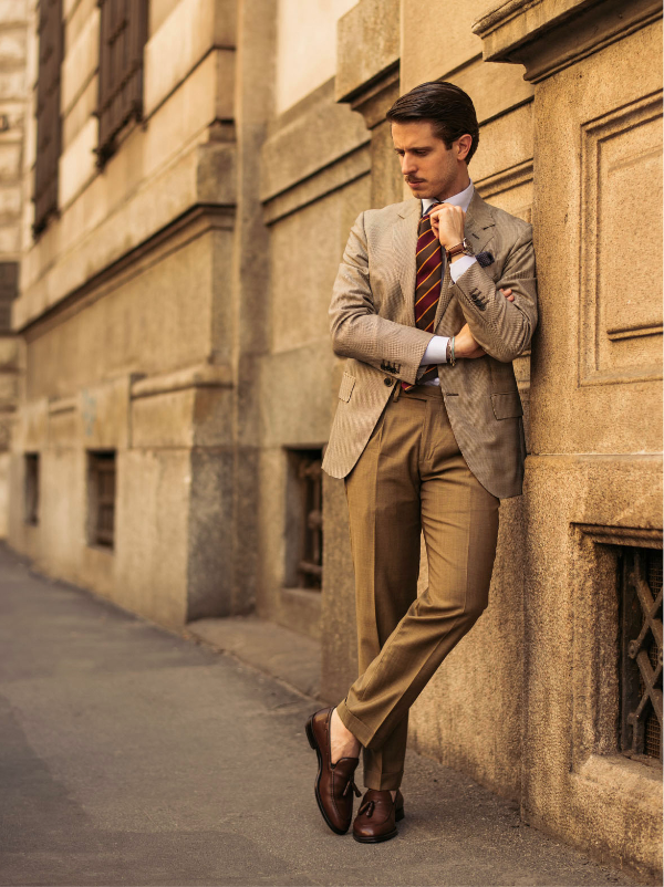 Influencer Marco Taddei wearing light brown calfskin tassel loafers hand made in Italy, elegant men's by Fragiacomo